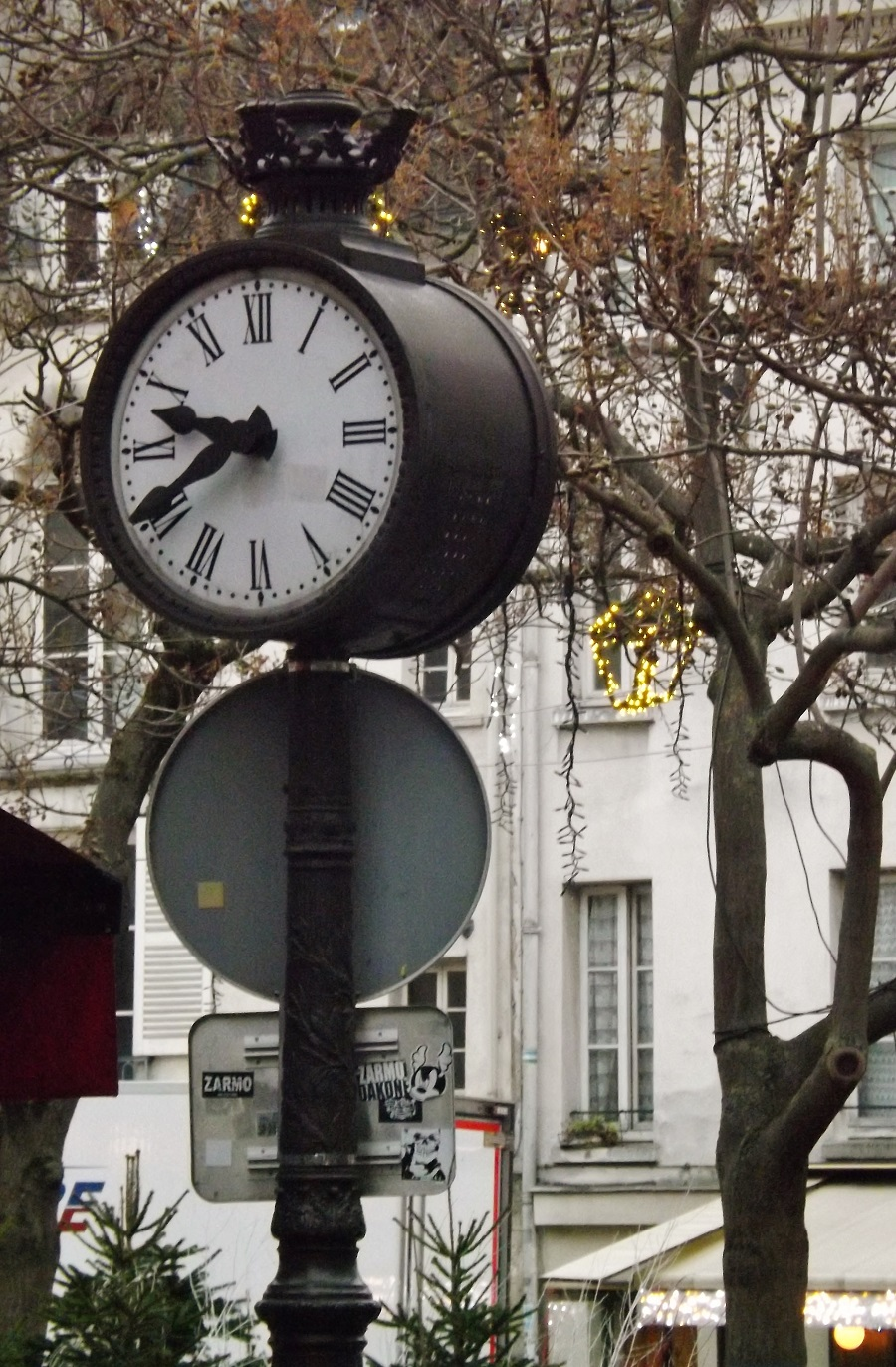 horloge place contrescarpe