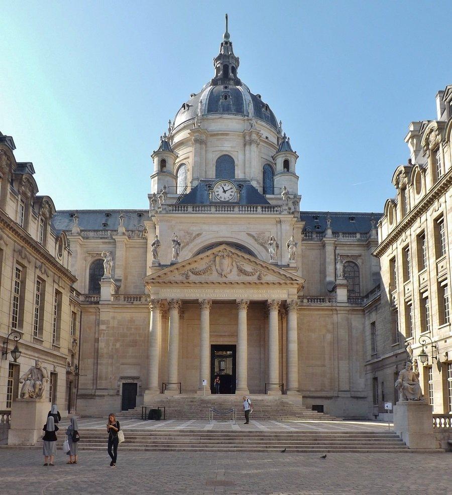 cour d'honneur chapelle 2