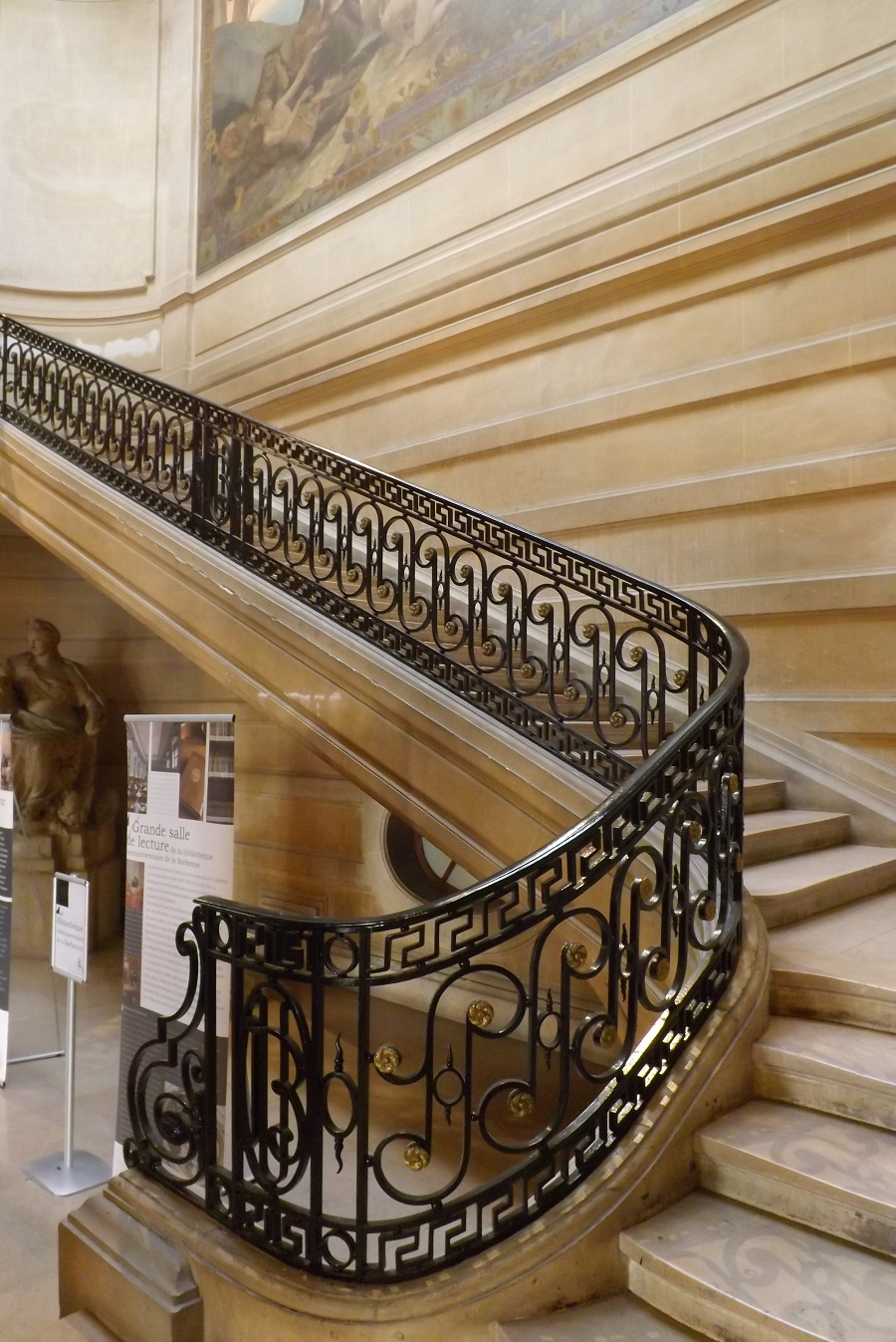 escalier d'honneur de la bibliothèque