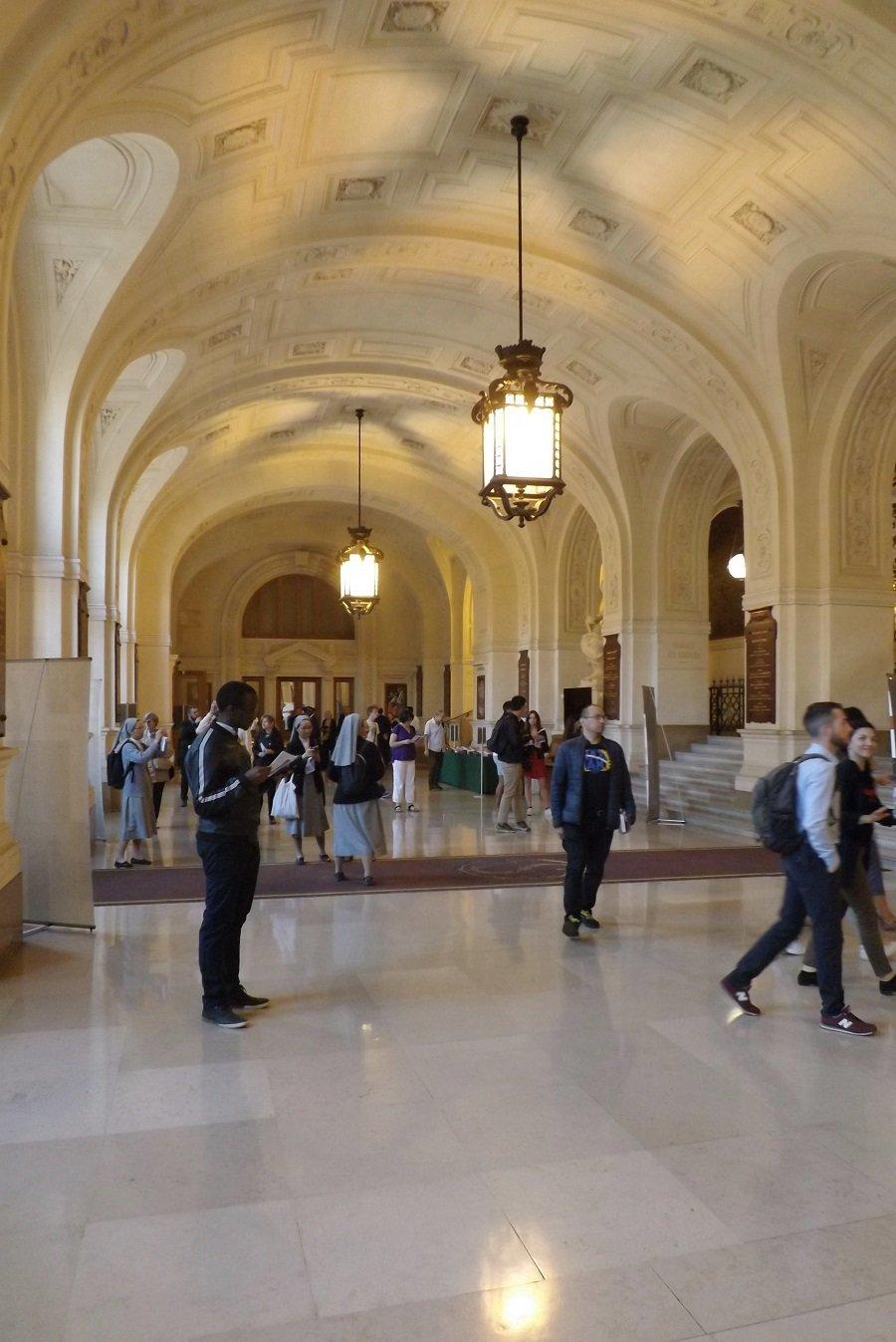 vestibule palais académique 2